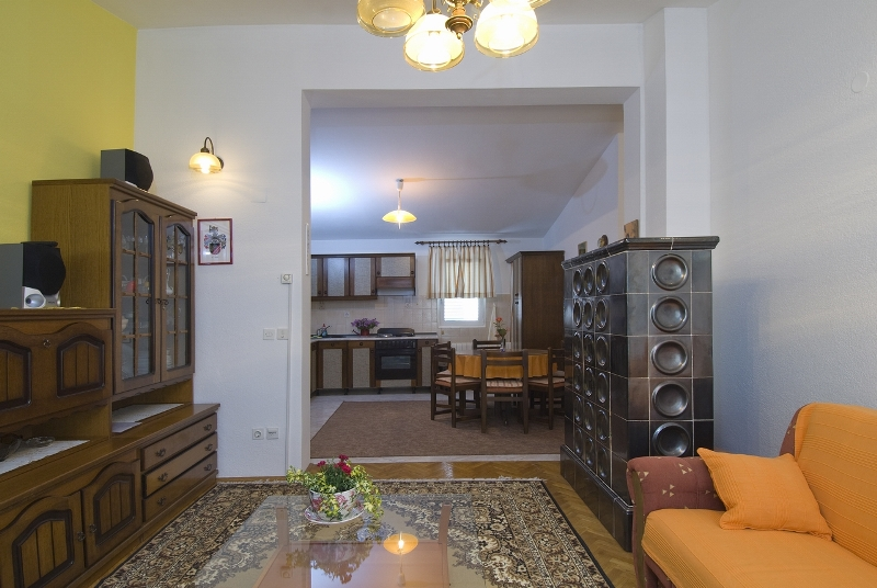 villa lilla kroatien ferienh user baska voda dalmatien. Black Bedroom Furniture Sets. Home Design Ideas