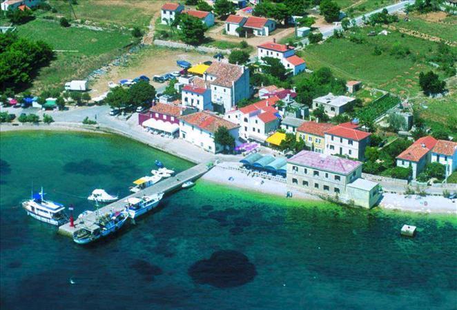 Martinscica Island Cres Croatia Travel Croatia Appartments And Villas Croatia Private